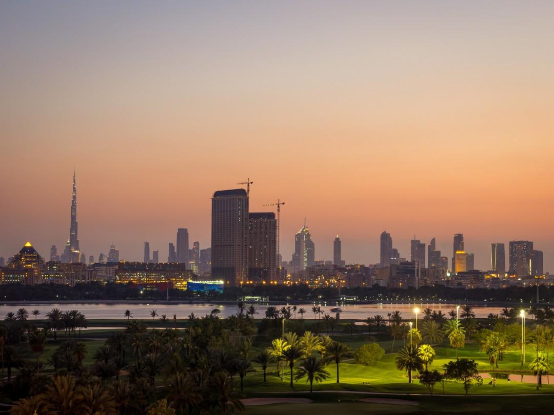 Schöner Ausblick von der Poolbar auf dem Jumeirah Creekside Hotel