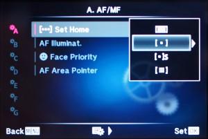 """(1) Im Custom-Menu """"A"""" unter Set Home"""" den 2. Punkt auswählen"""